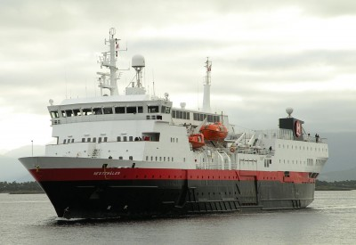 "Police are investigating the death of a man working on board the Hurtigruten ship ""Vesterålen"" Wednesday night. PHOTO: Wikipedia"
