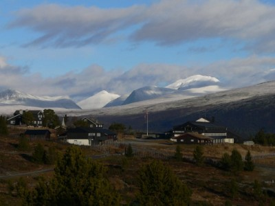 The Rondablikk Høyfjellshotell is one of several mountain hotels currently being used to house refugees. Officials at immigration agency UDI are looking for less expensive accommodation. PHOTO: Rondablikk/Facebook