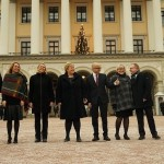 Prime Minister Erna Solberg gathered with her new ministers In sub-freezing temperatures outside the Royal Palace in Oslo on Wednesday. From left: Jon Georg Dale (agriculture), Lina Cathrine Hofstad Helleland (culture), Sylvi Listhaug (immigration), Solberg, Vidar Helgesen (climate and the environment), Elisabeth Aspaker (EU issues) and Per Sandberg (fisheries). PHOTO: Statsministerens kontor