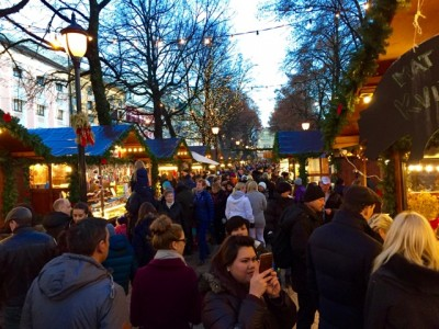 This year's Christmas market in Oslo's prime downtown location was set up over the protests of those who ran it earlier. Now they've moved to another location, at Youngstorget. PHOTO: newsinenglish.no