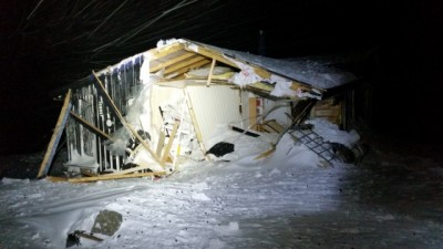 This is what was left of a cabin on Svalbard that was swept off its foundation by another avalanche outside Longyearbyen on Sunday. An earlier avalanche on Saturday destroyed 10 homes and killed one of their residents and injured several others. PHOTO: Christian Svarstad/Sysselmannen på Svalbard