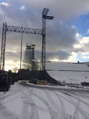 Large temporary ski- and snowboard jumps have altered the skyline of Oslo lately. They've been erected for this week's X Games Oslo competition, which now has run into problems over its lack of drug testing while events are underway. PHOTO: X Games Oslo