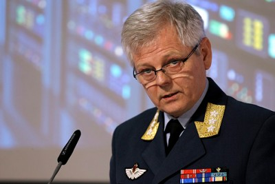 "Gen Lt Morten Haga Lunde presenting the Norwegian military's latest assessment of ""security challenges"" for Norway. Russia, he said, presents a ""considerable risk."" PHOTO: Forsvaret/Torbjørn Kjosvold"