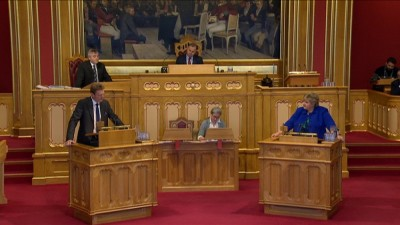 Prime Minister Erna Solberg (right) faced a string of tough questions in Parliament on Wednesday, regarding controversial remarks made by her new immigration minister, Sylvi Listhaug. PHOTO: Stortinget