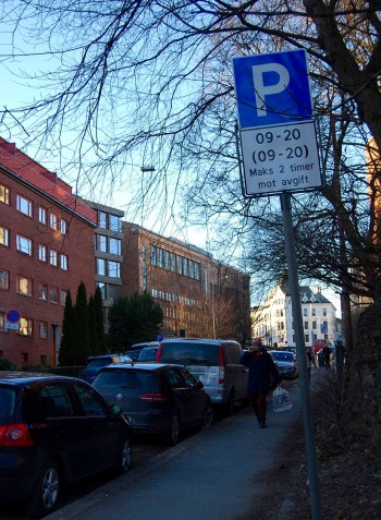 These new signs, posted recently around Oslo, have frustrated many local residents and business owners who lack other parking options. PHOTO: newsinenglish.no