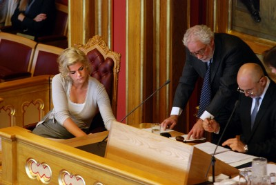 Jette Christensen of the Labour Party (left) is among committee members demanding more openness from partially state-owned Norsk Hydro. PHOTO: Arbeiderpartiet