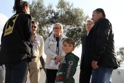 Norway has sent hundreds of millions of kroner and political assistance to hard-hit areas, and its new EU Minister Elisabeth Aspaker was in Greece just last week, here at the Kara Tepe refugee camp on the island of Lesbos. Prime Minister Erna Solberg was traveling to Brussels on Wednesday, to help tackle the refugee crisis with top EU officials. PHOTO: Utenriksdepartementet