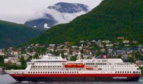 Hurtigruten fights for its name, routes