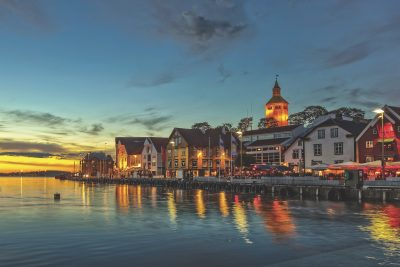 It may be twilight time in Stavanger now, but there are predictions the oil and real estate markets will bounce back. PHOTO: Stavanger Forum