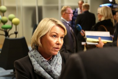 Trade Minister Monica Mæland, who's had to deal with a string of corruption cases lately, wasn't happy with DNB's answers to her questions about its involvement with tax havens. Now she is demanding more information. PHOTO: Nærings- og fiskeridepartementet