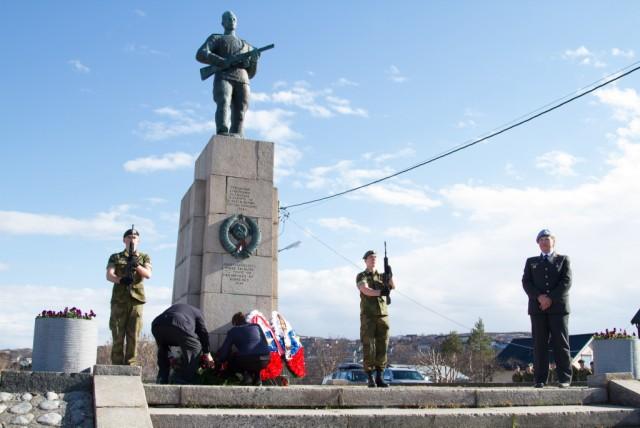 Kirkenes, Russian monument