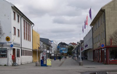 Downtown Kirkenes was a fairly quiet place over the weekend, also on the morning of the 17th of May. Civic boosters are hoping to turn around another phase of harder economic times. PHOTO: newsinenglish.no