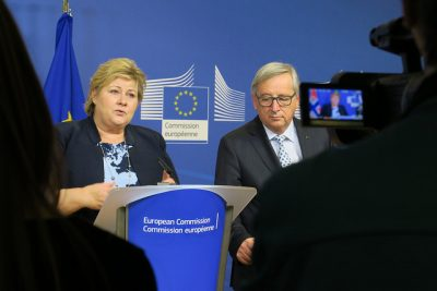 Prime Minister Erna Solberg met with the European Commission's President Jean-Claude Juncker and other EU officials this spring in Brussels, but she has warned British colleagues that as a non-member, Norway has no say in EU policy and Britain won't have any either if it leaves the EU. PHOTO: Den norske EU-delegasjonen i Brussel