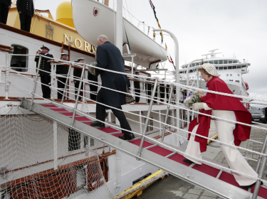 King Harald and Queen Sonja have been cruising from north to south this week, as they celebrate the 25th anniversary of their reign. PHOTO: kongehuset.no/NTB Scanpix