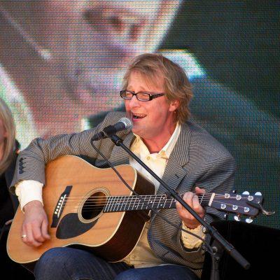 Lars Lillo-Stenberg, performing at a book festival in 2012. PHOTO: Wikipedia/Bjørn Erik Pedersen