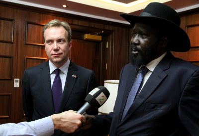 Foreign Minister Børge Brende has been the latest in a long line of Norwegian officials trying to help South Sudan, here with President Salva Kiir in 2014. PHOTO: Utenriksdepartementet/Astrid Sehl