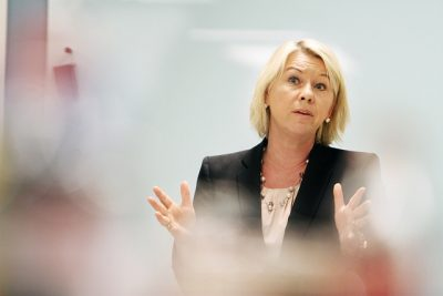 Business and Trade Minister Monica Mæland faces tough questions over her decision to replace Statkraft's chairman with one of her own friends and party colleagues, former Culture Minister Thorhild Widvey. PHOTO: NFD