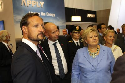 ONS also is traditionally opened by at least one member of the royal family and draws the prime minister as well. From left at the last conference in 2014: Crown Prince Haakon, Oil Minister Tord Lien and Prime Minister Erna Solberg. PHOTO: Olje- og energidepartementet