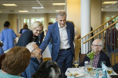 All of Norway's political parties court the elder vote. Labour Party leader Jonas Gahr Støre, also shown here at a local nursing home this summer, is among them, and Labour won government power in Oslo on promises of better elder care. It has yet to be delivered. PHOTO: Arbeiderpartiet