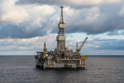 New figures confirm that Norway's oil and gas industry is to blame for another rise in carbon emissions. Industry officials and top politicians continue to defend it. PHOTO: Statoil/Thomas Sola