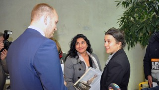 Shabana Rehman and Siri Martinsen delivered a huge petition to Agriculture Minister Jon Georg Dale on Wednesday, signed by 143,000 people opposing fur farms in Norway. PHOTO: LMD