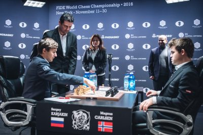 The 11th game at the World Chess Championship on Saturday attracted around 150,000 viewers in Norway, even in the middle of the night and even though it ended in another draw. Chess is more popular than ever before. PHOTO: FIDE World Chess Championship 2016