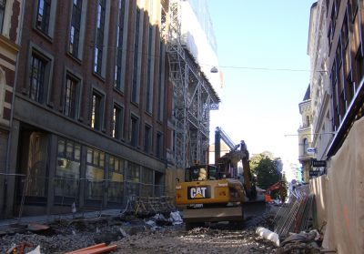 The streets leading from Rådhus gate towards the Parliament are gutted and closed to traffic. PHOTO: newsinenglish.no