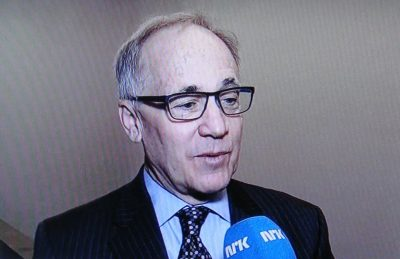US Ambassador Sam Heins was unsure about his own future when confronted by an NRK reporter Wednesday morning. He'll probably lose his post when Donald J Trump takes over as US President in January, meaning that the embassy may be without an ambassador again, also when it moves to its new embassy compound next year. Then it will be up to Trump to appoint his own ambassador, likely someone who contributed actively to his campaign. PHOTO: NRK screen grab
