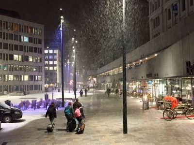 Snow started falling on Friday and continued through the weekend, as forecast, but Oslo escaped the worst of the problems. PHOTO: newsinenglish.no