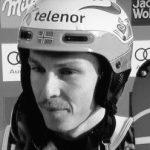 Ski racer signs back on again