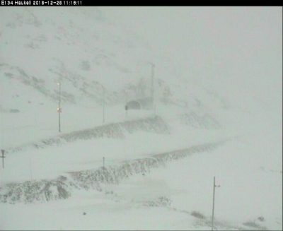 Photos like this from one of the state highway department's webcams showed why so many mountain passes were closed over the holiday weekend, like here at Haukeli. The highway authorities also warned against any driving on Monday that wasn't absolutely necessary. PHOTO: Statens vegvesen