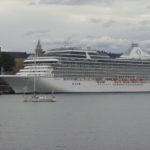 Calls rise to limit cruiseship arrivals