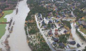 Flash floods sweep through valleys