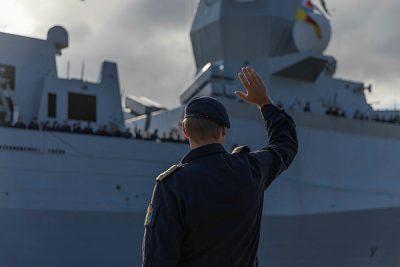 Norwegian frigate under US command